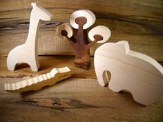 African+animals+toys+made+from+natural+wood++//+by+DesChosesEnBois