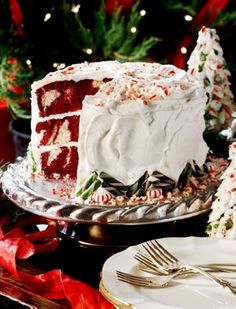 Christmas Red Velvet Snow Cake, Red Velvet Cream Cake, Christmas Dessert Recipe #christmas #food #cake www.loveitsomuch.com