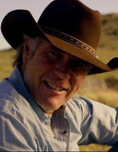 My man 😋 Embedded image permalink Robert Taylor Actor, Robert Taylor Longmire, Walt Longmire, Good Looking Older Men, Longmire Tv Series, Katee Sackhoff, Sam Elliott, Hot Cowboys, Horse Portrait
