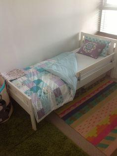 kritter juniorbettgestell mit lattenrost ikea deko pinterest bett lattenrost et ikea. Black Bedroom Furniture Sets. Home Design Ideas
