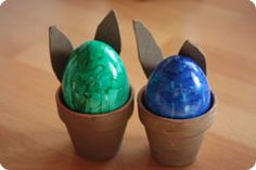 stained glass eggs: 1 drop nail polish into disposable bowl half-filled with water.  From Female Forum