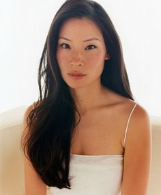 The beautiful Lucy Liu Asian Hair Facts, Beautiful Asian Girls, Beautiful People, Simply Beautiful, Beautiful Men, Long Hair Cuts, Long Hair Styles, Short Hair, Asian Woman