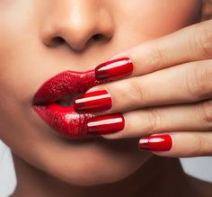 Touch of Red | Red nails with red tips