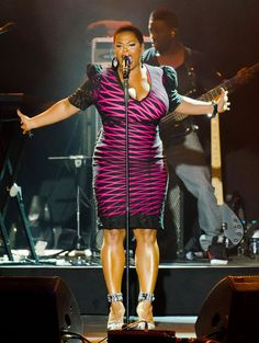 Jill Scott - in love with this dress