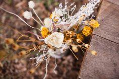 Rustic Winter Bouquet (www.jetfeteblog.com)