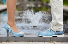 Prachtige blauwe trouwschoenen! - Pinterested @ http://wedspiration.com.