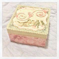 Cada vez mais apaixonada e encantada com cada peça que faço! #Craft #Paper #ScrapBook #Scrap #Vintage #Artesanato #Artes #FeitoaMão #ScrapDecor #Decoupage #Pink