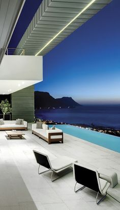 Erf 199 Nettleton Road Clifton Cape Town designed by modernist architects SAOTA Oct 2010, today at building cost ex vat and fees of R20 000 per m2 (R11 = 1Euro)  costofluxury.blogspot.com