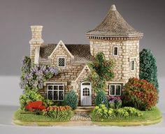Lilliput Lane - Worsley Hall Gardener's Cottage, West Yorkshire, North East & Yorkshire. Lilliput Lane Ref L3350