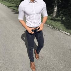 Style Of The Day For The Warm Weather - Gentleman Lifestyle Der Gentleman, Gentleman Style, Stylish Men, Men Casual, Moda Formal, Look Man, Cooler Look, Casual Outfits, Fashion Outfits