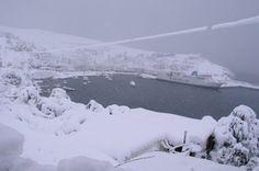 Ένα κατάλευκο «στολίδι» στο Αιγαίο: Η συγκλονιστική φωτογραφία από τη χιονισμένη Σκύρο που σαρώνει στο διαδίκτυο! | διαφορετικό Outdoor, Fotografia, Outdoors, Outdoor Games, The Great Outdoors