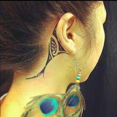 Maori Tattoo Behind Ear - Tattoo For Women Body Art Tattoos, Girl Tattoos, New Tattoos, Tatoos, Easy Tattoos, Piercings, Ta Moko Tattoo, Tribal Tattoos For Women, Maori Tattoo Designs