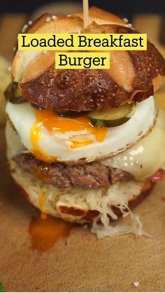 Pulled Pork Recipes, Beef Recipes, Cooking Recipes, Burger Recipes, Breakfast Burger, Breakfast Recipes, Comida Diy, Diy Food, Slow Cooker