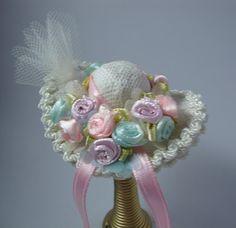 Miniature hats: Pamelas