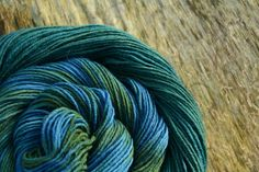 In a first step the wool was dyed yellow (with cow parsley or onion skin), then dyed with indigo to get various greens