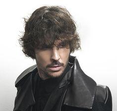 Raffel Pages. Chicos, vuelve el tupé http://www.bellezaactiva.com/2014/06/27/cabello-hombre/
