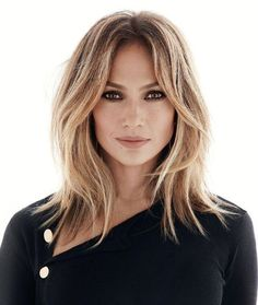Jennifer Lopez's Middle Parted Blonde Hair