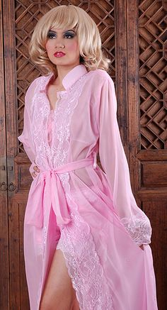 Pink peignoir