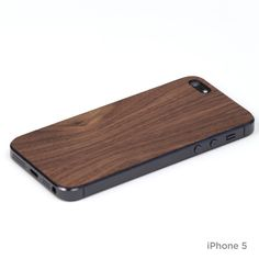 Plain iPhone cover in walnut – lazerwood. For the man :)
