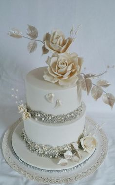 Pearl beauty by alenascakes - http://cakesdecor.com/cakes/292271-pearl-beauty
