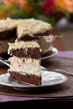 Ciasto kakaowe z masa budyniowa i beza