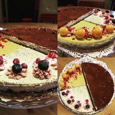 Dnes máme na výber až tri druhy RAW koláčikov  tiramisu vanilka-pomaranc a makový s čučoriedkovým chia džemom  #raw #cajovnazarohom #cajovna #ziarnadhronom #cake #zdravoachutne