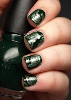 """The base colour is Sinful Colors Last Chance and I stamped using GOSH Metallic Green with Bundle Monster plate BM315."""