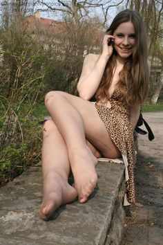 Attractive In Pantyhose Claudia Gorgeous 105