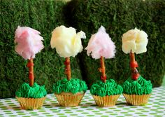 OMG- these are ADORABLE!! Dr. Seuss The Lorax: Truffula Tree Cupcakes! http://rock-ur-party.tablespoon.com/2012/02/25/lorax-truffula-tree-treats/