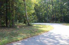 101 Libbs Way Manteo, NC 27954 List Price: $46,000 Call Beth Twyne at 252-473-4272 at Carolina Dunes Real Estate www.carolinadunesrealestate.com