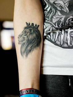 Girl Arm Lion Tattoo Designs With Crown