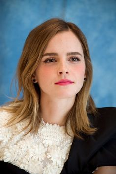 """Emma Watson at the """"Beauty and the Beast"""" Press Conference in LA (03.05.17) Pinned by @lilyriverside"""