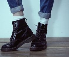 Image uploaded by Greta Geci. Find images and videos about grunge, violet ell and dc martens on We Heart It - the app to get lost in what you love. Jughead Jones Aesthetic, Moira Burton, Alissa Salls, Frankenstein, Devon, Teddy Lupin, Nate River, Lone Wanderer, Natsume Yuujinchou