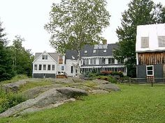 Kennebunkport $3,350 4 beds, 3.5 baths 6.5 acres, huge outdoor space, woodsy/country style interior. Pets ok $275 cleaning fee