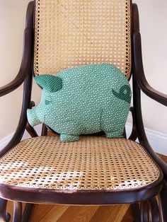 DIY piggy pillow