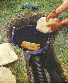 This excellent gutters drainage ideas is a quite inspiring and remarkable idea Sump Pump Drainage, Gutter Drainage, Backyard Drainage, Landscape Drainage, Rain Garden, Lawn And Garden, Backyard Projects, Outdoor Projects, Drainage Solutions