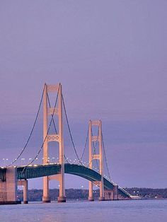 If you've only been to Michigan's Mackinac region during the summer (or never been there at all), you owe yourself a fall trip. You'll find the best seats on ferries, prime lakeside restaurant tables, wonderfully deserted hiking trails and bargain hotel rates.