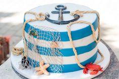 Maritime Seemannstorte – Was esse ich Heute? Maritime sailor variety – Instructions for baking – Motif cake Sailboat Cake, Nautical Cake, Beach Themed Cakes, Beach Cakes, Fondant Cakes, Cupcake Cakes, Cupcakes, Marine Cake, Ocean Cakes