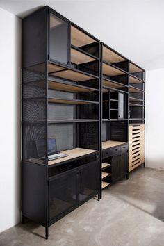 Modernes Regal / Holz / Aus Metall / Glas   NAMLIEH   Karen Chekerdjian