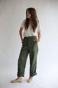 78a532611b05 Vintage 28-29 Waist Paint Splatter Olive Green Army Pants