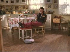 Lorelai's house-kitchen from hookedonhouses.net  Site that shows tv & movie houses