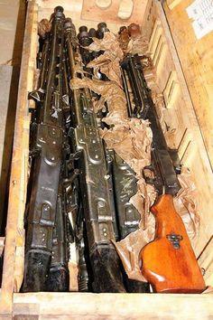 Crates Of Machine Guns - Airsoft Guns, Weapons Guns, Guns And Ammo, Ak Pistol, Mg34, Survival Rifle, Pistol Annies, Weapon Storage, Cool Guns