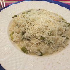 Compartimos esta Receta de Risotto de espárragos verdes: la mejor receta de risotto del mundo. Mírala en Emplatando Madrid