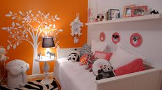 I never in a million years would have thought that I would like a Orange room, but I actually like this one (white and pink accents)