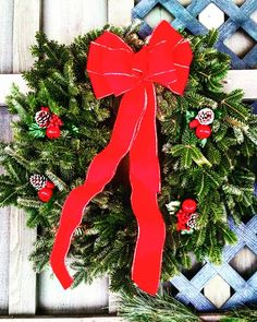 Balsam tidings • • Instagram: pennsylvaniaprep97 • • • • • • #photography #handsinframe #prep #preppy #prepster #preppylife #preppystyle #classy #ivystyle #ivyleague #instadaily #instablogger #christmas #winter #santa  #pine #wreath #december #bows #ribbons #holiday #rustic #classic #stnick #decor #home #decoration #deckingthehalls