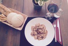 Ravioletti al brasato en salsa de vino tinto