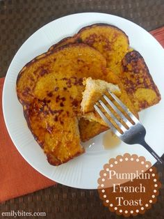 Pumpkin French Toast - just 5 ingredients for a taste of Fall! Only 145 calories or 4 Weight Watchers SmartPoints for two slices! www.emilybites.com