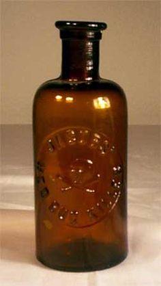 Antique Poison Bottle Hall of Fame Old Medicine Bottles, Antique Glass Bottles, Apothecary Bottles, Altered Bottles, Vintage Bottles, Bottles And Jars, Glass Jars, Perfume Bottles, Wine Bottle Trees