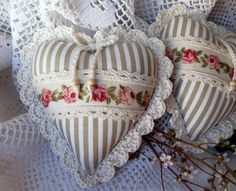 Resultado de imagen para handmade toys for happy little hearts Valentine Heart, Valentine Crafts, Valentines, Sewing Crafts, Sewing Projects, Shabby Chic Hearts, Fabric Hearts, Soft Heart, Lavender Bags