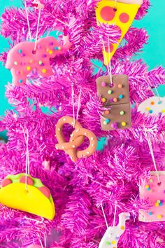 Bewitching Is Junk Food To Be Blamed Ideas. Unbelievable Is Junk Food To Be Blamed Ideas. Mini Christmas Tree Decorations, Traditional Christmas Ornaments, Twig Christmas Tree, Easy Christmas Ornaments, Colorful Christmas Tree, Pink Christmas, Simple Christmas, Christmas Themes, Christmas Crafts
